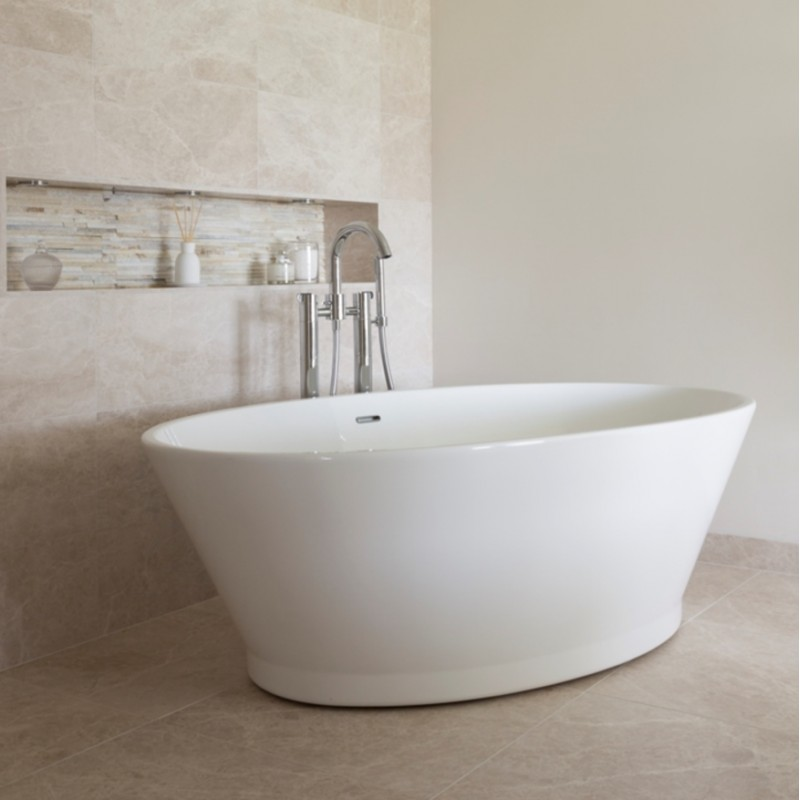 Bc designs chalice minor freestanding bath 1650mm long x for How wide is a bathtub